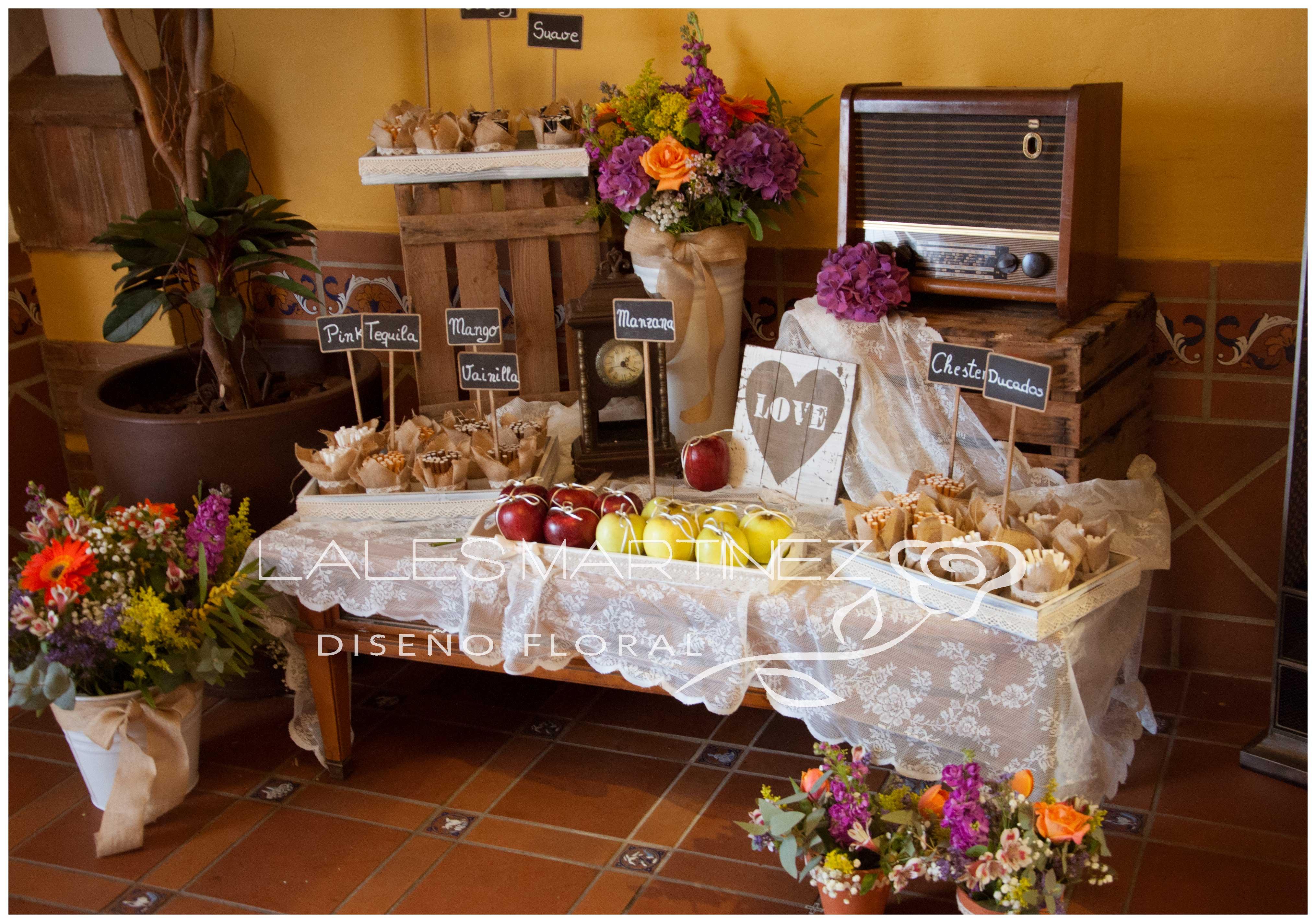 Lales martinez vintage y r stica terraza carmona vera for Fotos de mesas de bodas