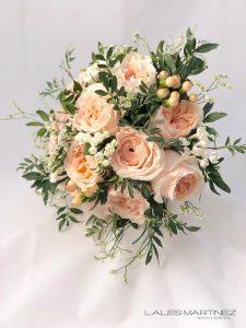 ramo de novia rosas jardín