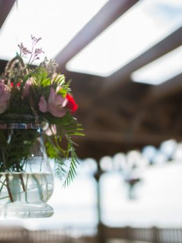 Detalles florales colgantes