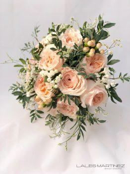 Ramo de novia de rosas rosa de jardín