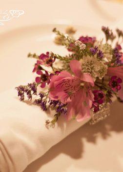 Servilletero-pulsera floral