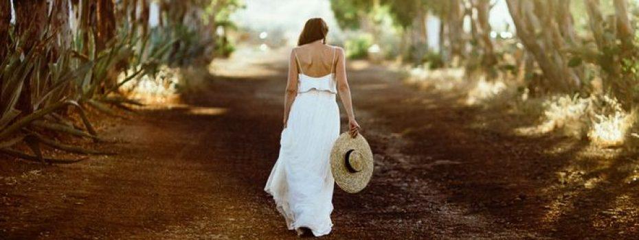 Una boda al atardecer: el día más feliz de Belén y Carlo